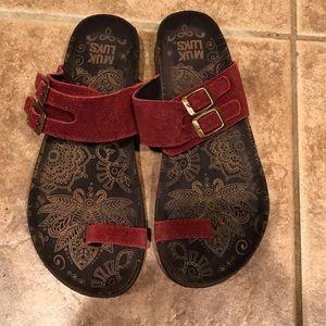 Muk Luks Sandals size 8